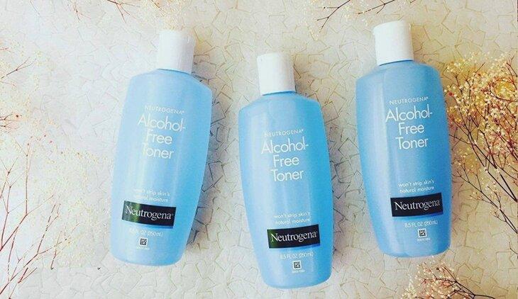 nuoc-hoa-hong-khong-con-danh-cho-da-mun-neutrogena-alcohol-free-toner