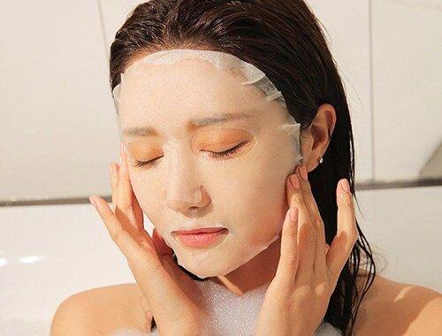 su-dung-nuoc-hoa-hong-dap-mat-na-lotion-mask