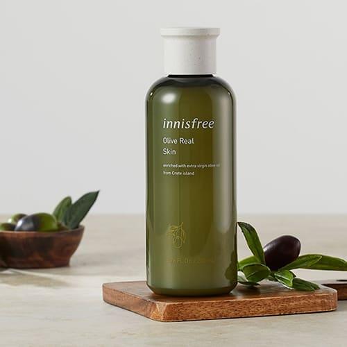 nuoc-hoa-hong-sieu-duong-am-innisfree-olive-real-skin