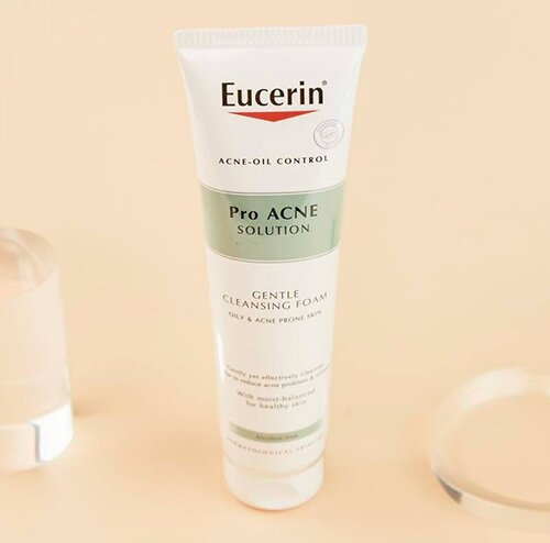 sua-rua-mat-eucerin-pro-acne-solution-gentle-cleansing-foam
