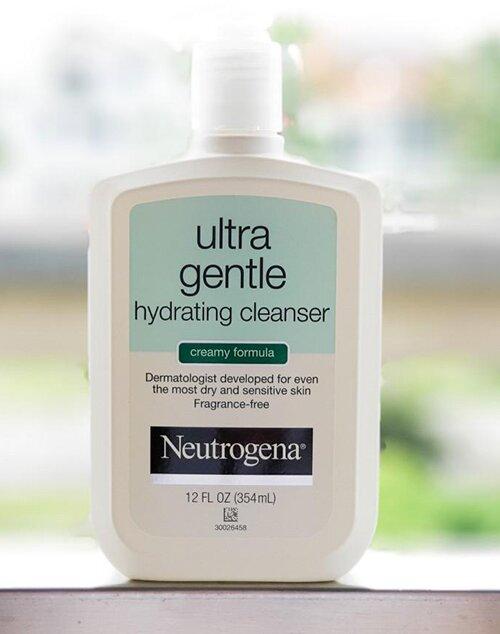 sua-rua-mat-neutrogena-ultra-gentle-hydrating-cleanser