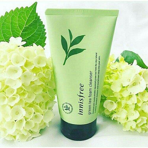 sua-rua-mat-tra-xanh-innisfree-green-tea-cleansing-foam1